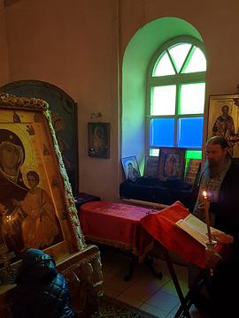 Встреча Иверской иконы Божьей Матери и мощей двенадцати апостолов. 09